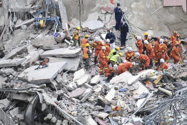 Čínske ministerstvo pre núdzové situácie uviedlo, že telo poslednej obete našli vo štvrtok ráno.