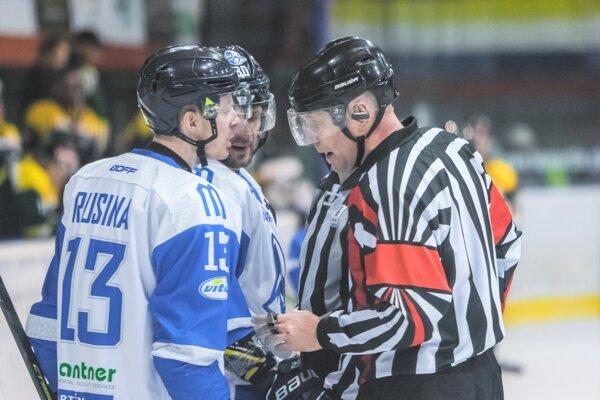 Tomáš Rusina bol za rozhodcom, aby opravil svoj verdikt.
