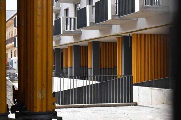 O opatreniach informoval investor stavebný úrad ústne.