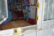 Páchateľ odcudzil nie len peniaze, ale aj niekoľko škatuliek s liekmi.