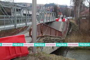 Pád mosta v Trstenej.