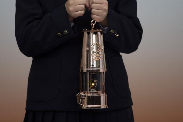 Špeciálny lampáš na prepravu olympijského ohňa.