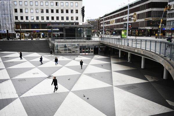 Takmer prázdne centrum v Štokholme.
