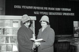 Mesiac knihy v roku 1963 v Dome armády v Trenčíne.