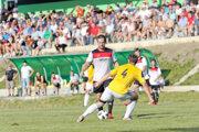 Hneď druhé jesenné kolo spojilo dva najlepšie kluby, Oravské Veselé a Námestovo.
