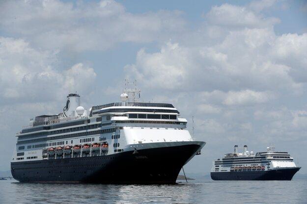 Výletná loď Zaandam.
