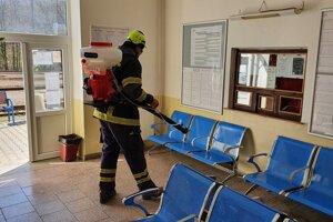 Dezinfekcia stanice v Žarnovici.