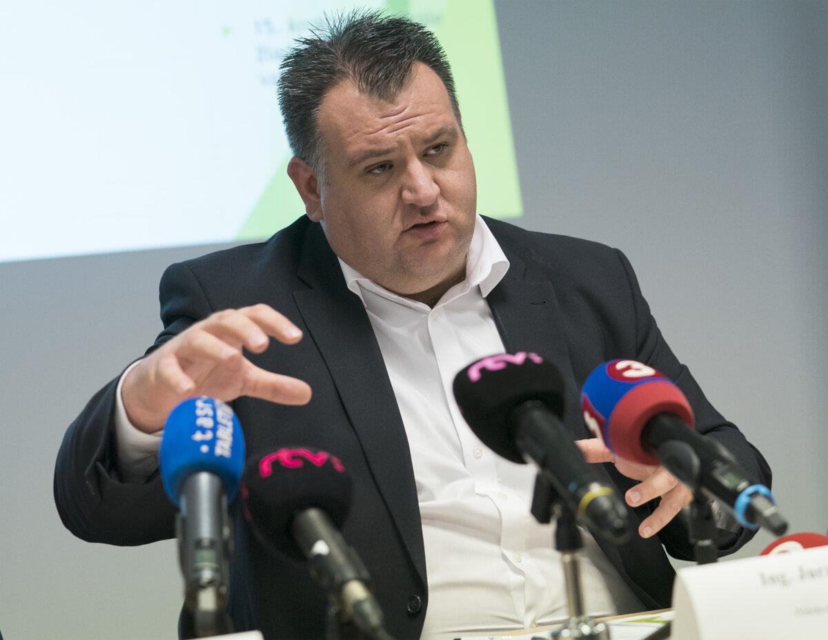 Kožuchov advokát pripúšťa manipuláciu pri vyšetrovaní kauzy Dobytkár - SME