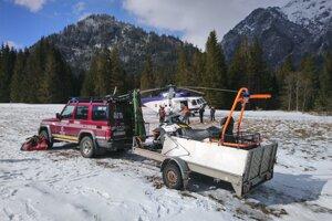 Dobrovoľný horský záchranár zahynul v nedeľu pri výstupe na Rumanov štít.