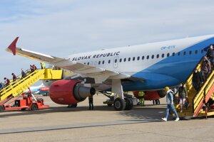 Lietadlá Leteckého útvaru ministerstva vnútra SR  Airbus A319 a Fokker 100 dopravili z Dublinu a Helsínk spolu vyše 80 slovenských občanov na bratislavské Letisko M. R. Štefánika v pondelok 30. marca 2020.