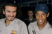 Recber Rüstü (vľavo) a Ronaldinho.