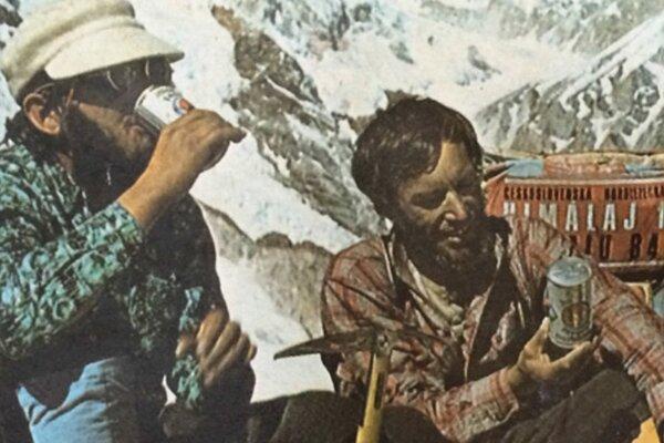 Fotografia z prvej československej expedície na Makalu v roku 1973, vľavo bratislavský lekár výpravy MUDr. Milan Šimunič, vedľa už nebohý kameraman Slovenskej filmovej tvorby Miloslav Filip.