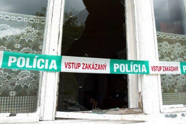 Zlodeji majiteľov domu zviazali a následne im ukradli viac ako 50-tisíc eur a zlaté šperky.