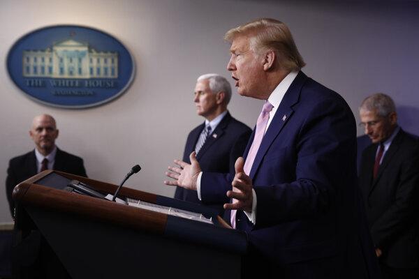 USA čakajú najťažšie dni, podľa Trumpa zomrie mnoho ľudí