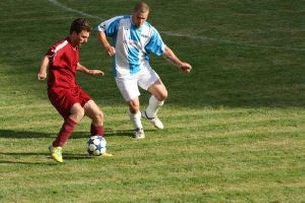 Dragan Karakačanov (vľavo). Futbal hrával vo východnej Európe, nakoniec sa usadil na Slovensku.