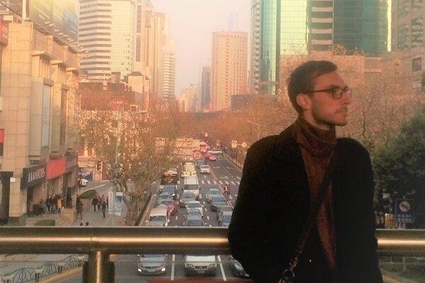 Gabriel Lukáč odišiel do Južnej Kórey sám. Manželka s deťmi radšej zostala na Slovensku.
