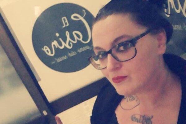 Janka Hurková alias Belle de Z je úspešnou speváčkou a skladateľkou.