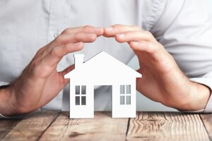 Byt aj bytový dom sa dajú ochrániť poistením. Treba to však urobiť správne.