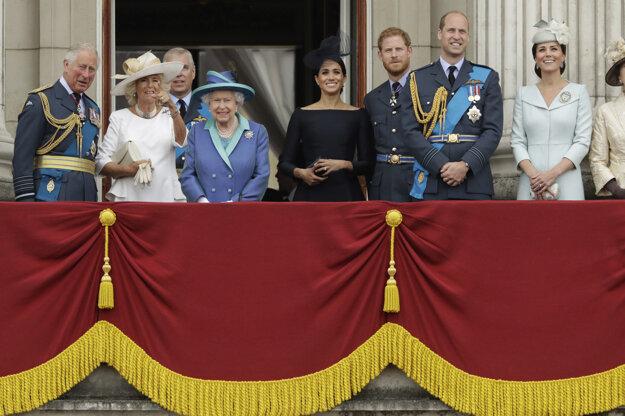 Britská kráľovská rodina na archívnej fotografii z 10. júla 2018.