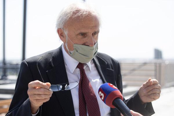 Minister pôdohospodárstva a rozvoja vidieka SR Ján Mičovský,.