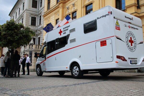 Mobilná odberová jednotka určená na testovanie ľudí s podozrením na Covid-19.