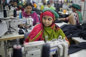 Textilná fabrika neďaleko Dháky, hlavného mesta Bangladéšu.