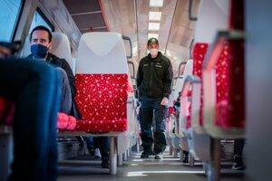 ZSSK od nedele obnoví vnútroštátnu dopravu. Vlaky budú premávať opäť podľa riadneho grafikonu.
