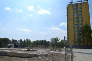 Mukačevská 7. Miesto, kde kedysi stála bytovka.