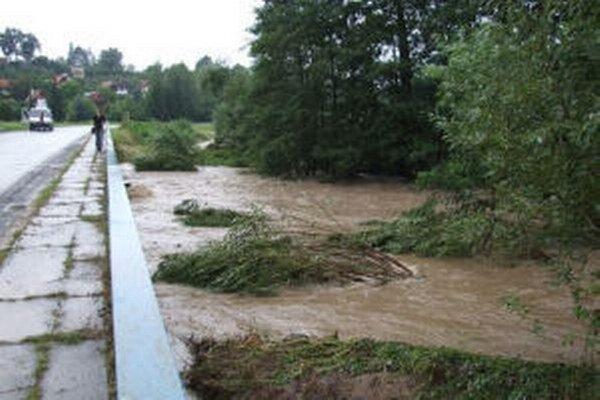 Škody, ktoré spôsobili záplavy v roku 2010, boli značné.