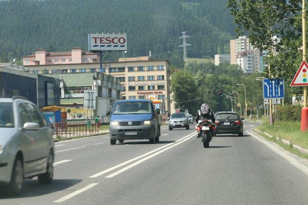 Od pondelka 18. mája nebude možné prejsť po moste cez Váh.