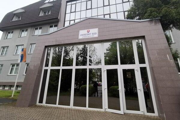 Okresný súd v Spišskej Novej Vsi. Tu sa rozhodovalo o vzatí do väzby agropodnikateľa z Levoče.