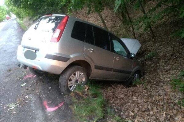 foto z miesta dopravnej nehody pri ktorej vyhasol život 72 ročného muža.