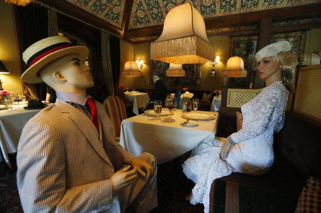 Návštevníkov luxusnej reštaurácie The Inn at Little Washington budú usádzať medzi figuríny. Dôvodom je nevyhnutnosť dodržiavať sociálny odstup pre pandémiu koronavírusu.