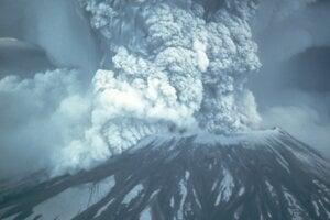 18. mája 2020 uplynulo štyridsať rokov odvtedy, čo pri výbuchu sopky Saint Helens v USA zomrelo viac ako 50 ľudí. Bola to najničivejšia sopečná explózia v histórii USA.