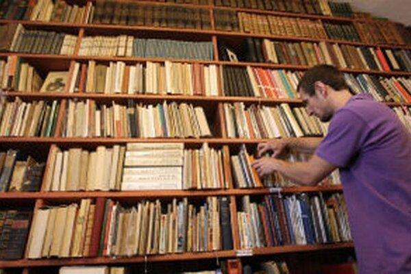Koloman Kertész Bagala bude hosťom v ďalšej zo série literárnych besied v Antikvariátiku na Námestí sv. Trojice – 22. januára o 17. hodine