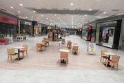 V Terminali Food court rozšírili, aby sedeli zákazníci ďalej od seba.