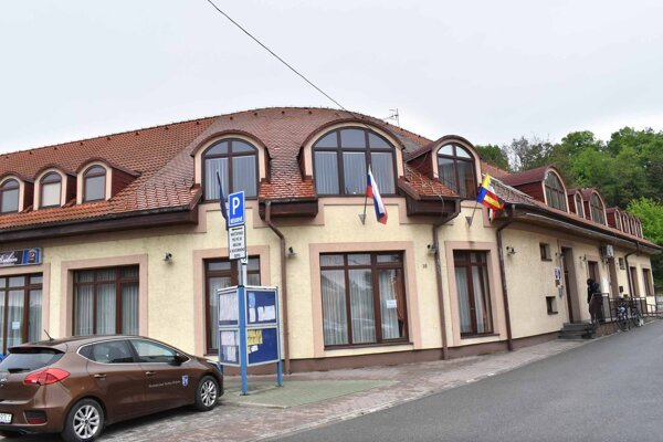Miestny úrad v Krásnej.