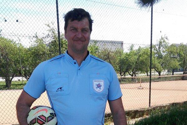 Jozef Bečka sa stal najlepším rozhodcom ObFZ Trenčín v roku 2019.