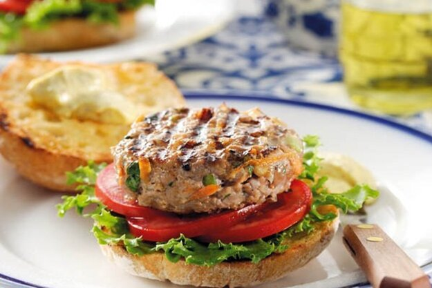 Hamburger z bravčového mäsa