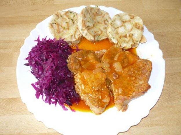 Karlovarské knedle k pečenému mäsu