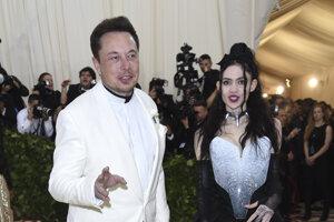 Elon Musk a Grimes na Met Gala v roku 2018.