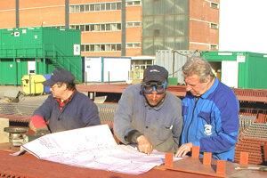 Tlmačské strojárne sa v roku 2003 podieľali na obnove elektrárne v Srbsku.