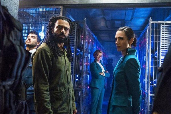 Prvá séria seriálu Snowpiercer (2020) má desať epizód. Nová epizóda vychádza na Netflixe každý pondelok.