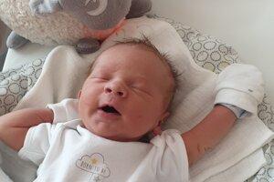 Alex Brachtýr (3270 g, 50 cm) sa narodil 2. mája Márii a Michalovi zo Selca.