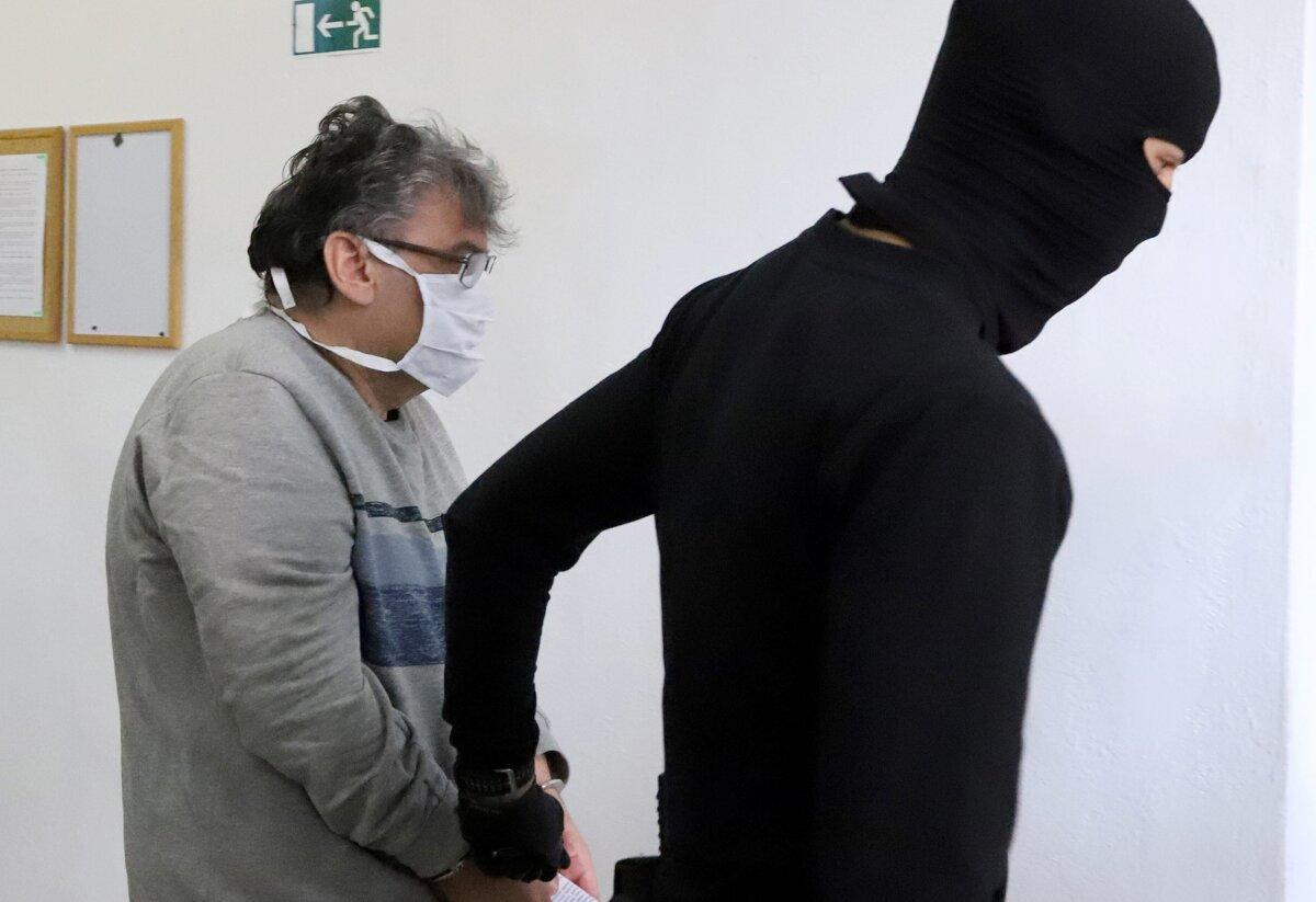 Sudca Palášthy z akcie Búrka bude naďalej stíhaný väzobne - SME