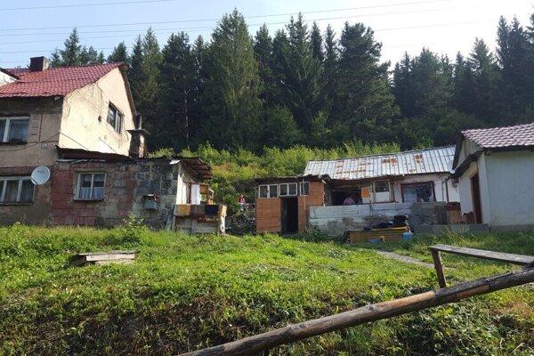 V časti Zatky žije početná rómska komunita.