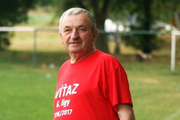 František Kausek robí hospodár na ihrisku v Klasove už viac ako 50 rokov!