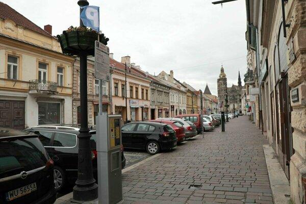 Parkovanie v centre Košíc.