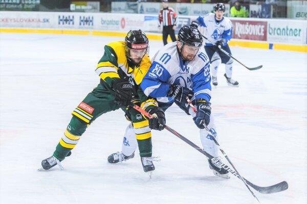 Ján Tabaček je na ľade veľmi platným hráčom.