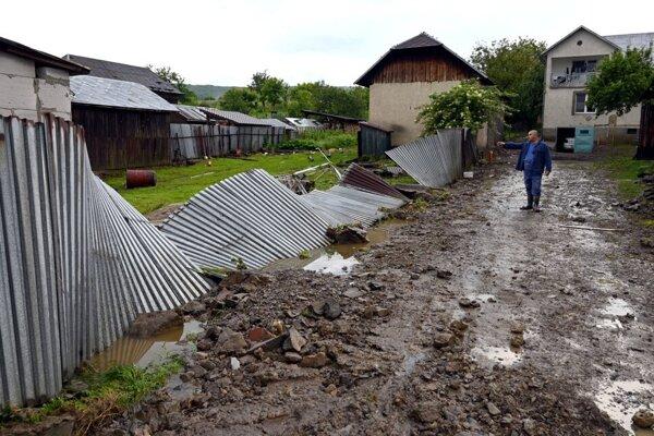 V Pichniach ostala po veľkej vode spúšť.
